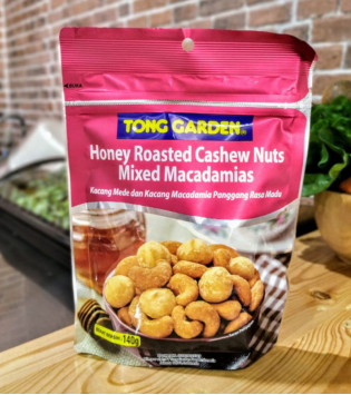 TONG GARDEN HONEY ROASTED CASHEW NUTS MIXED MACADAMIAS 140 G